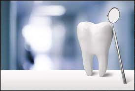 ilustracija zuba sa ogledalcetom koje je naslonjeno na taj zub